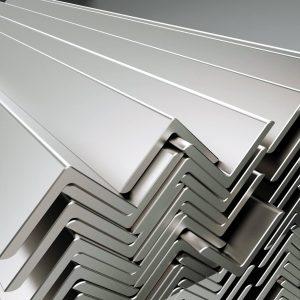 Металлический угол горячекатаный 100х100х7,0х12000